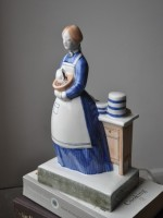 Hand-painted ceramic English figures - The Lady Cook by Rye Pottery